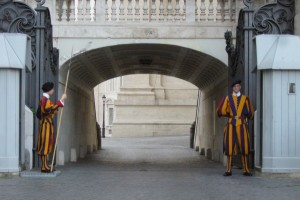Swiss Guards P1070513 (600 x 401)