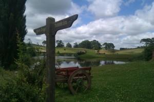 Hobbiton sign IMAG0448 (600 x 400)
